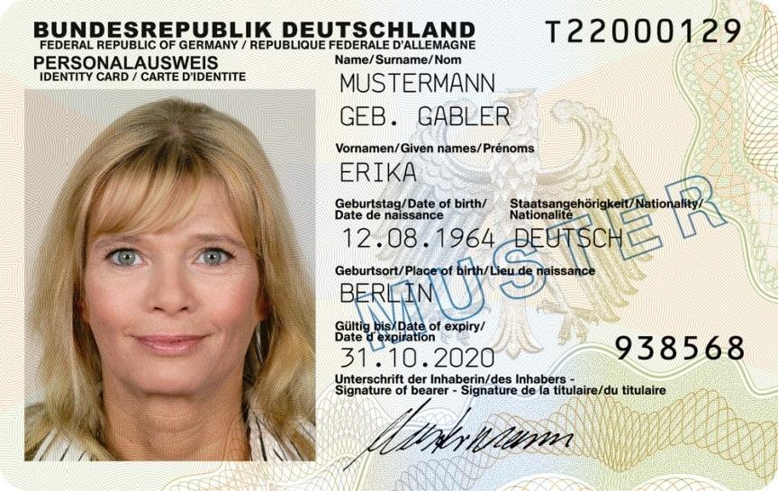 صفحه اطلاعات و امضا پاسپورت آلمان بعد از مارس 2017