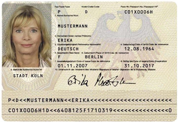 صفحه اطلاعات و امضا پاسپورت آلمان قبل از مارس 2017