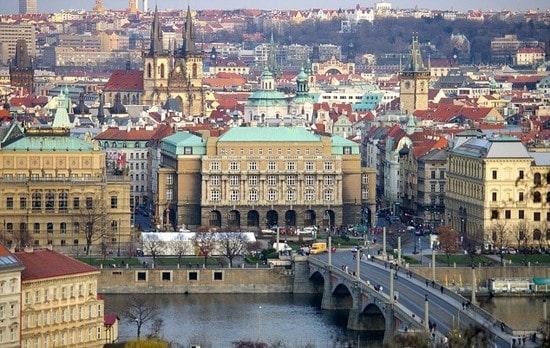 تحصیل در جمهوری چک و شرایط عمومی-min