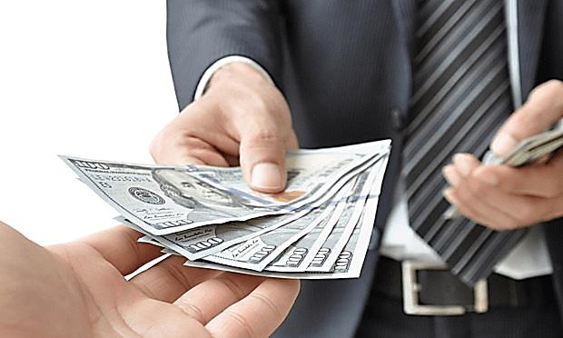 ویزای کار امارات و میزان حقوق در امارات