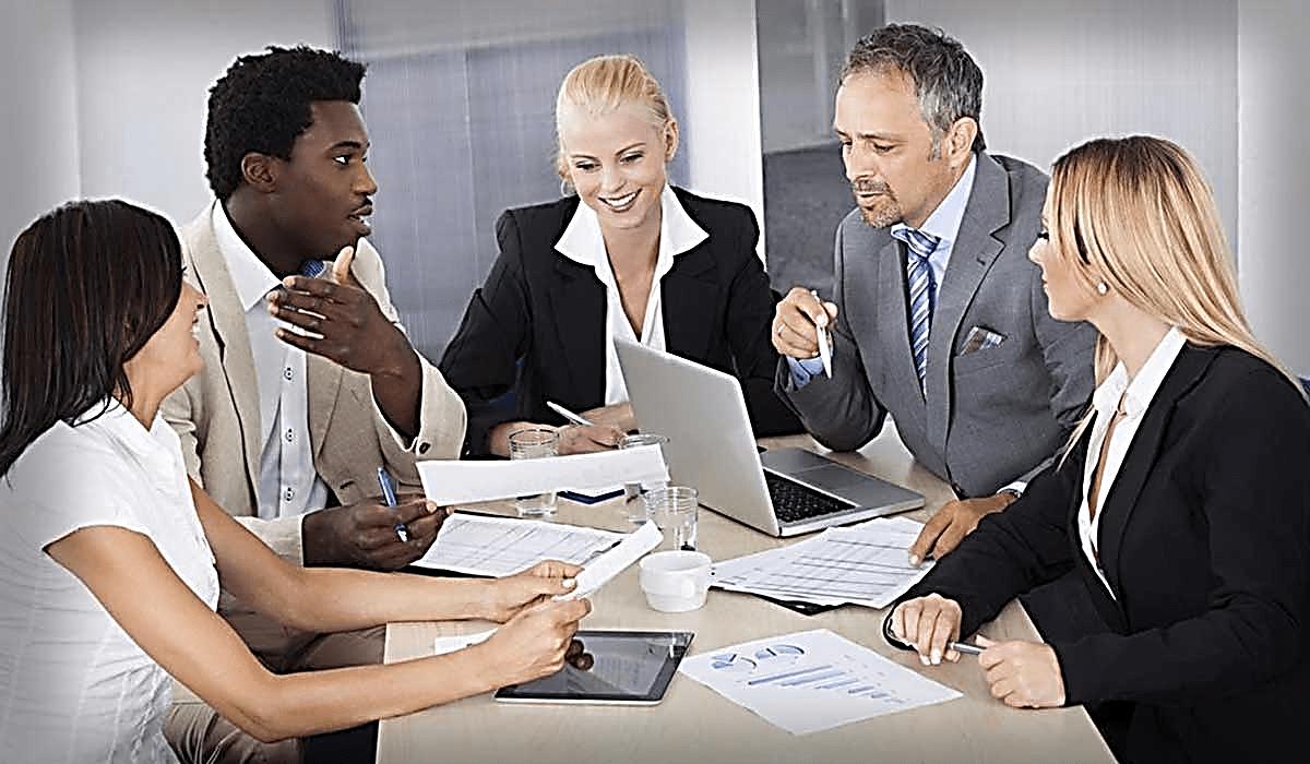 کار و سرمایه گذاری در خارج از کشور