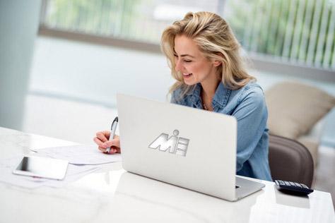 وکیل مهاجرت در کرج و ارائه خدمات آنلاین